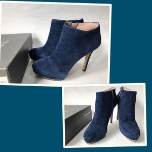 Vince camuto ankle booties size 8.5 B